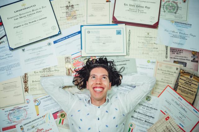 Quelles sont les différences entre les certifications Cambridge First, Vantage, Preliminary et Higher ?